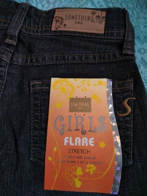新品 SOME THING EDWIN 女の子140サイズ ジーパンブーツカットパンツ  < キッズ/ベビーの