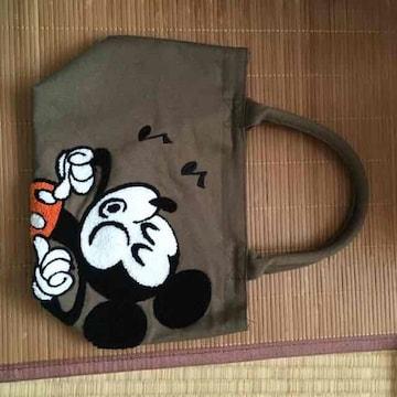 ディズニー・ミッキーマウス柄サガラ刺繍トートバッグ。カーキ