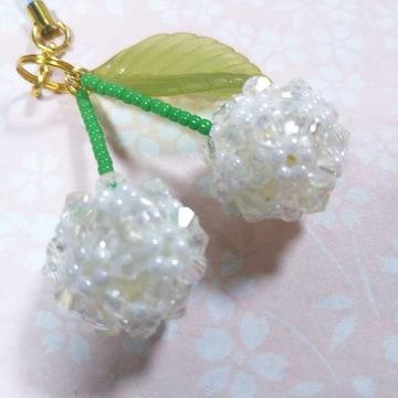 【handmade】白い・さくらんぼ