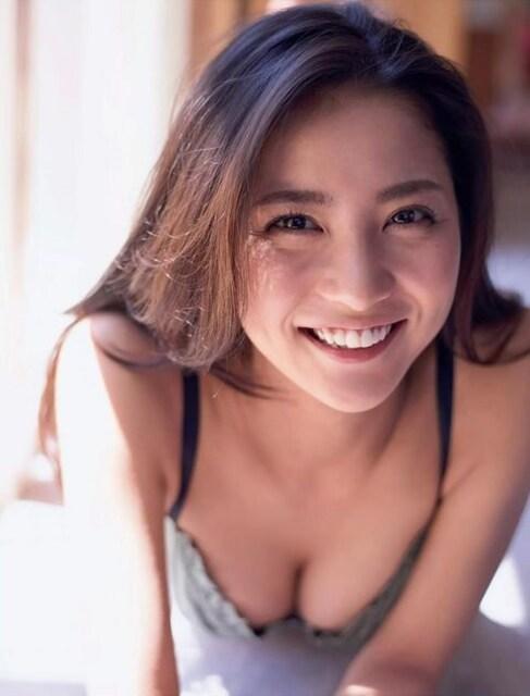 □419□石川恋 L判 写真 20枚 水着 セクシー グラビア モデル | 新品・中古のオークション モバオク