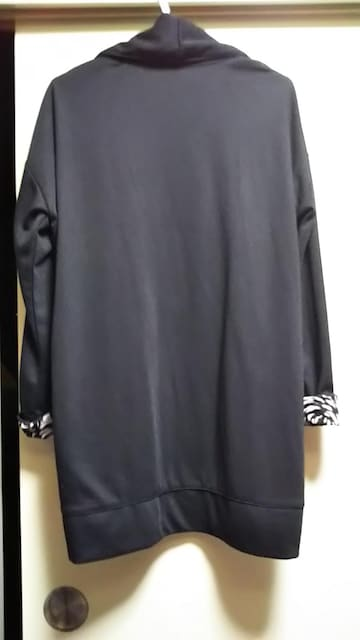 ☆ドロップショルダー裏地柄ショールカラージャケット☆超美品 < 女性ファッションの