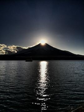 世界遺産 富士山 ダイヤモンド富士 縦 写真 A4又は2L版 額付き