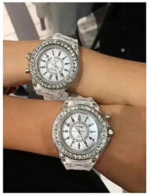 今回限り650円★大人気 レインボーLED腕時計 白 保証付  < 女性アクセサリー/時計の