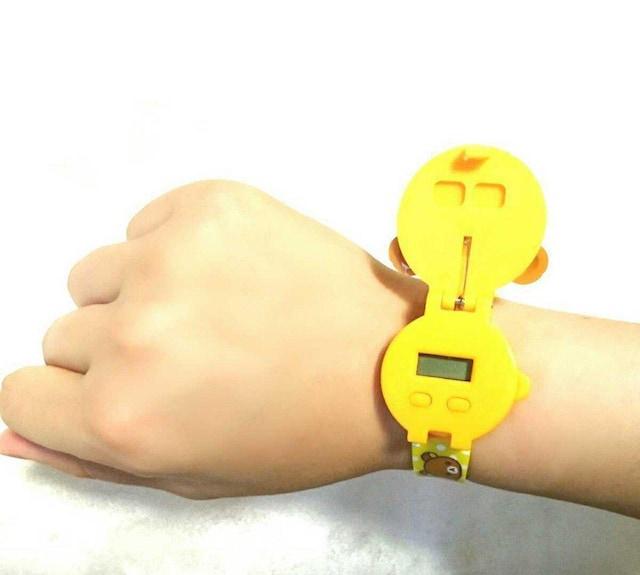 2個 セットまとめ売り 新品 リラックマ コリラックマ 腕時計 < 女性アクセサリー/時計の