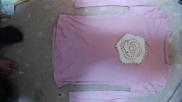ピンク花ワッペン長袖シャツ