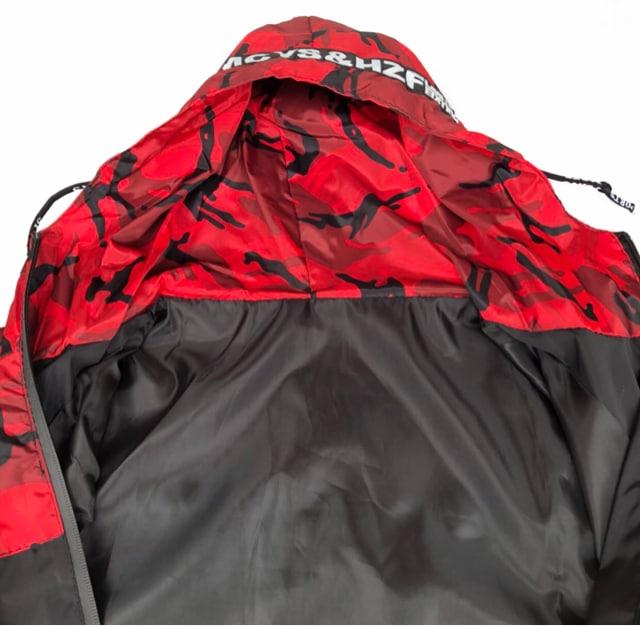 送料無料 迷彩柄 【 2XL レッド】 大人気 マウンテンパーカー < 男性ファッションの