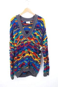 COOGI(クージー)Vネック 3D編みニットニット・セーター