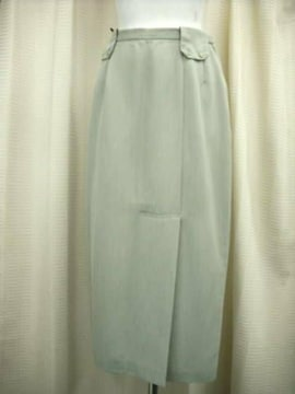 【CEST CA】グレーのロングスカートです