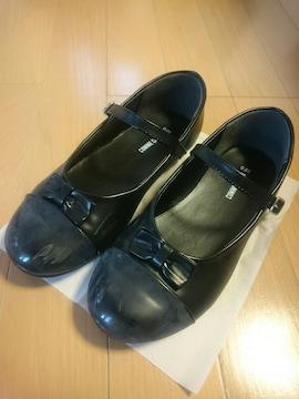 COMME CA ISMコムサイズム黒色靴フォーマルシューズ/サイズ22�p/卒業式.結婚式に