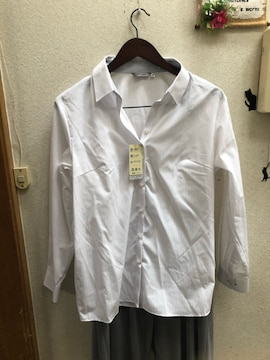 17号新品ストライプ地模様ストレッチ白シャツ