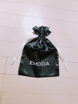 �@新品◆EMODA◆サテン黒×白ロゴ巾着袋◆エモダ プレゼント