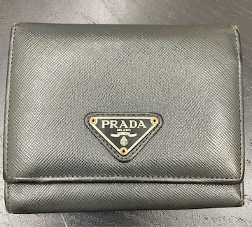 【格安】プラダ 三つ折り財布 ブラック