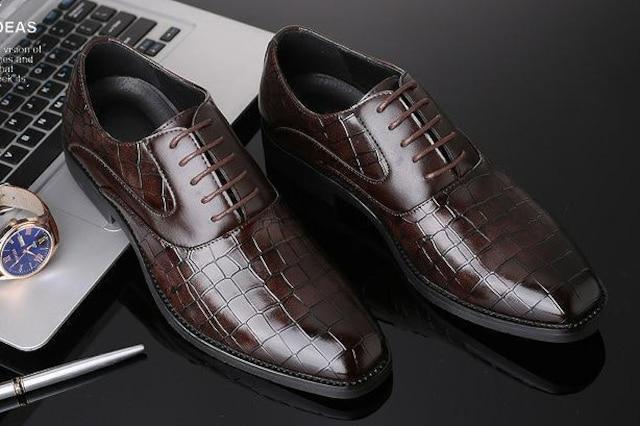 29.0 クロコ ドレスシューズ 靴 トンガリ メンズ ヤクザ オラオラ お兄系 ホスト 119 赤 < 男性ファッションの
