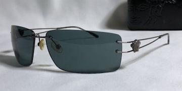 正規美 VERSACEヴェルサーチ メデューサロゴメタルサングラス黒×クロームブラック 付属有