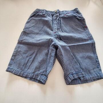 小さい紺のチェック半ズボン75