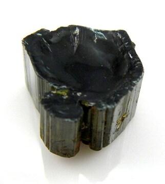 ◆天然グリーントルマリン◆原石◆三方晶系