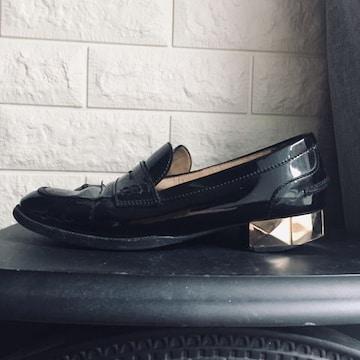 ヴァレンティノ スタッズ ローファー レザー ペタンコ靴