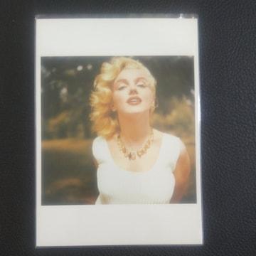 マリリン・モンローカード はがきより幅がチョット大きめ