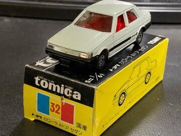 絶版日本製黒箱トミカ トヨタカローラ4ドアセダン