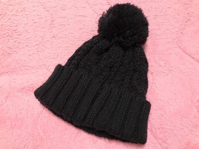 新品未使用 ユーエスポロアッスン ニット帽 黒色 ブラック < 女性ファッションの