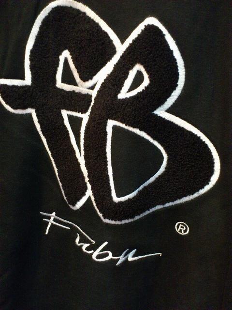 FUBU ブブビッグロゴトレーナーブラック xl < ブランドの
