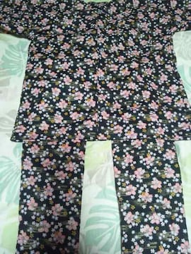 ☆新品黒×桜吹雪柄ダボシャツ&股引(パッチ)150