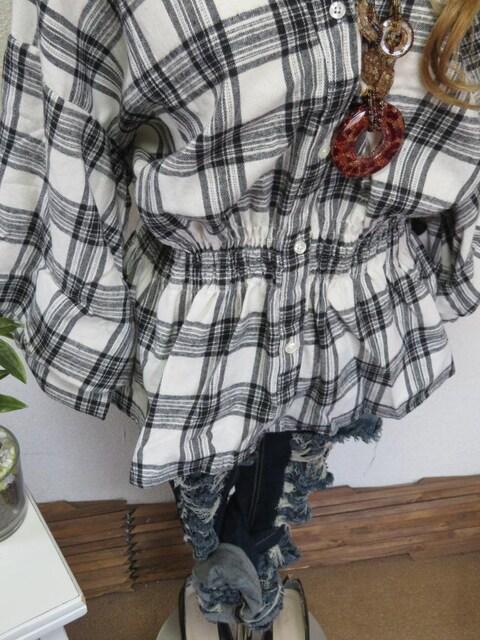 大きいサイズ☆3Lホワイト×ブラックチェック☆腰ゴム入☆シャツチュニック < 女性ファッションの