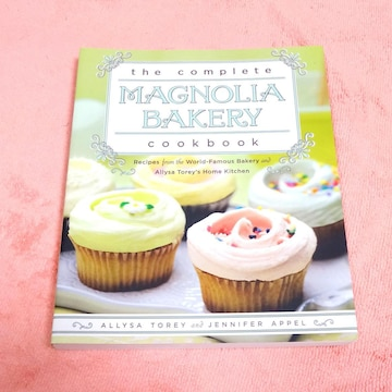 the complete MAGNOLIA BAKERY COOKBOOK 英語スイーツレシピ
