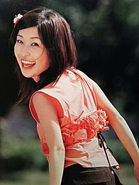 小野真弓【ヨミウリ ウイークリー】2004ページ切り取り  < タレントグッズの