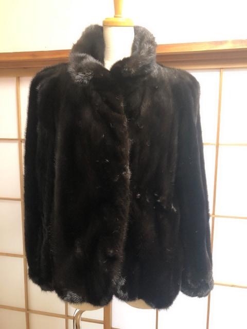 Y098 美品★ MOON CRESENT 最高級 ミンクファー ハーフコート  < 女性ファッションの