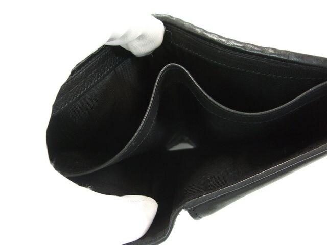 良品フェラガモ二つ折り財布 レザー 黒系 < ブランドの