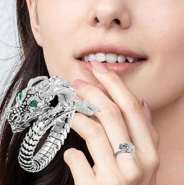 グリーンアイ 龍 リング 指輪 フリーサイズ