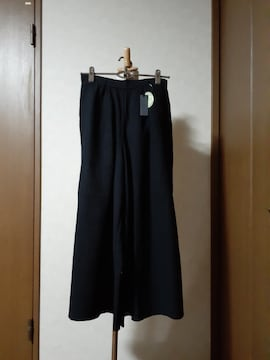 新品・ガウチョパンツ・黒・シンプル