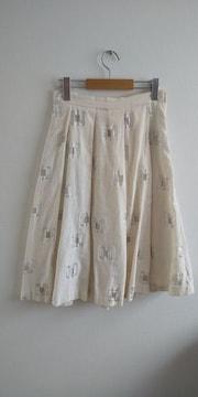 H&M プリーツフレアスカート