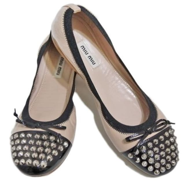 ミュウミュウmiu miuスタッズバレエシューズ(靴ベーシ  < ブランドの