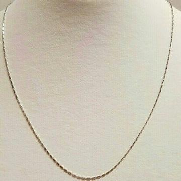 新品☆イタリー製K18ホワイトゴールド六角柱シリンダーネックレス