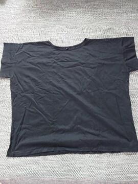 ユニクロXLサイズ、ブラックティシャツカットソー
