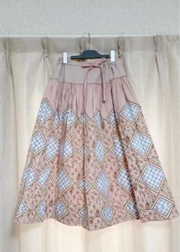 ワンダフルワールド カネコイサオパッチワーク柄ピンクスカート