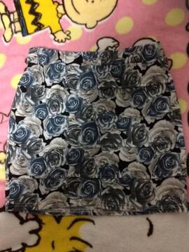 SUREVE★薔薇柄スカート