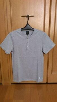 激安74%オフアメカジ、HUF、半袖Tシャツ(新品タグ、灰、M)