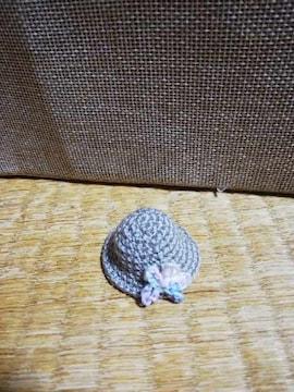 コットンヤーンで編んだミニ麦わら帽子2