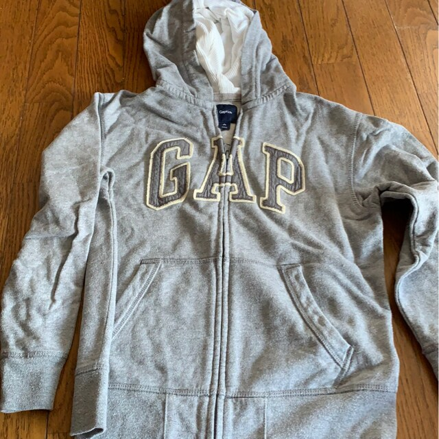 GAP★グレーカジュアル★パーカー★サイズ140  < ブランドの