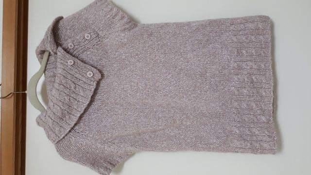 新品未着用 薄ピンクとラメが綺麗なニット 襟ボタン調節可能  < 女性ファッションの