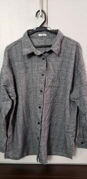 美品グレー前ボタンシャツ☆L