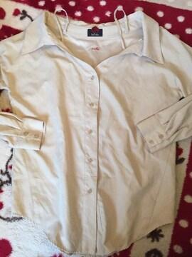 DaTuRa☆クリーム色長袖カットソー☆セクシーシャツ