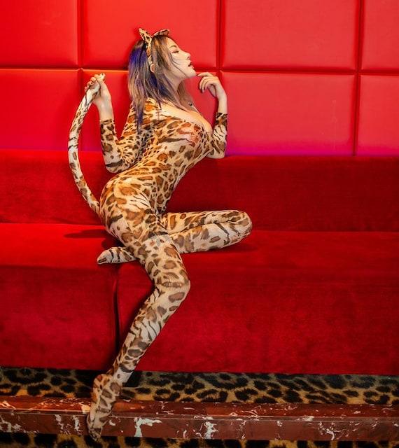 尻尾付き 豹柄 バニーガール服 コスプレ衣装 < 女性ファッションの