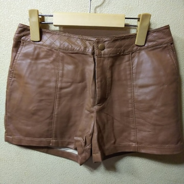 GU★未使用★合皮ステッチ飾ショートパンツM