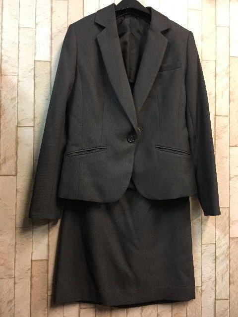 新品☆9号チャコールグレーのタイトスカートスーツ☆j952 < 女性ファッションの