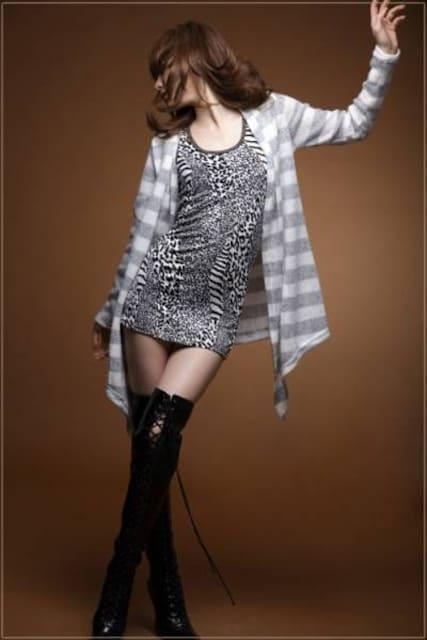 【新品・即決】グレ-ロングカデー Mサイズ < 女性ファッションの