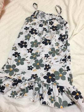 ひざ丈のワンピース/Mサイズ/花柄ワンピ白